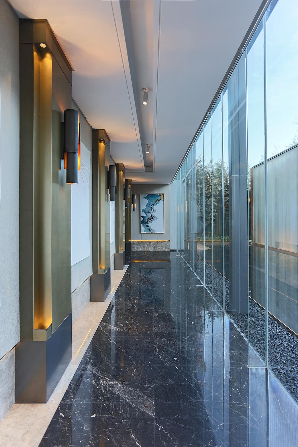 3_Corridor-1-70