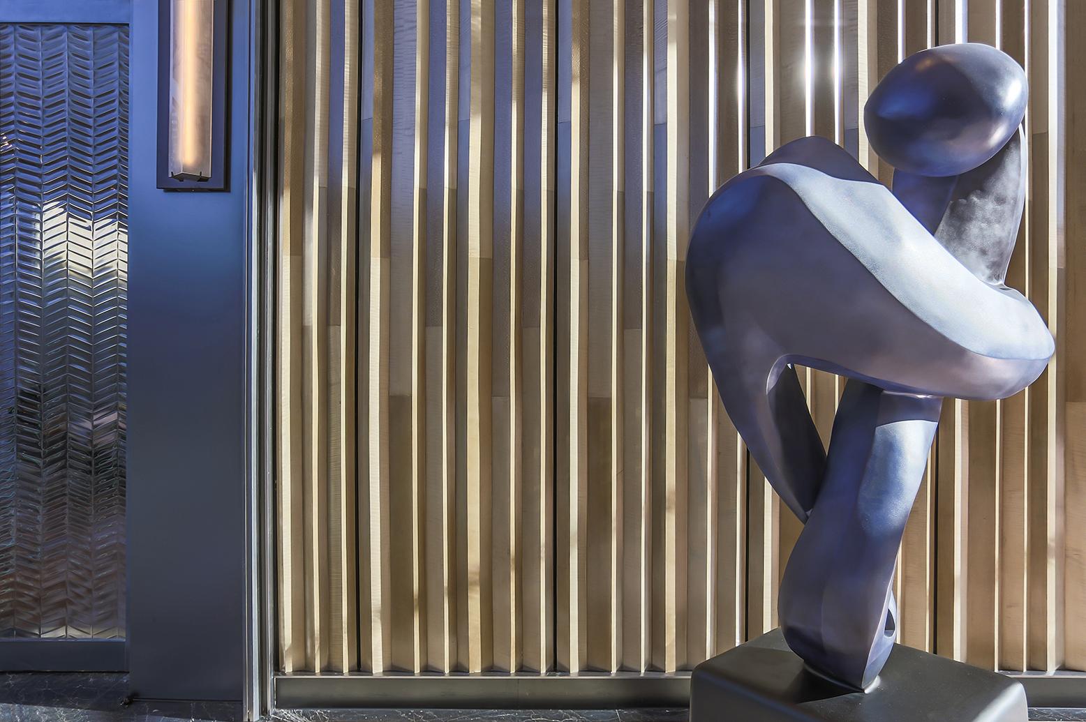 4_Lobby Sculpture-70